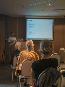Boro Goić iz Udruženja Proslavi oporavak prezentirao je rezultate istraživanja provedenog s ovisnicima u procesu oporavka